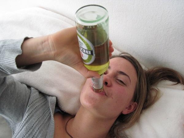 年齢と共に加速する口臭の原因、胃をいたわるべき9つの理由