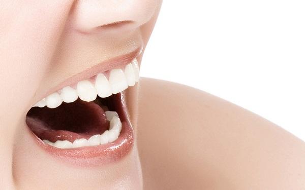 歯石を除去して口臭を予防すべき9つの理由