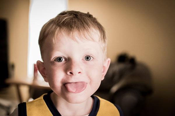 舌苔を除去してお口の中をクリーンに保った方が良い7つの理由