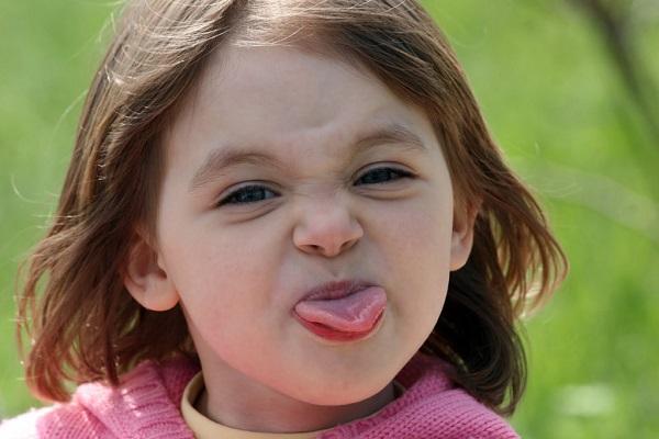 舌苔を除去すると、こんなに身体に良い事がある7つのポイント