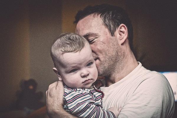 赤ちゃんが最も嫌がるパパの口臭を無くす9つの方法