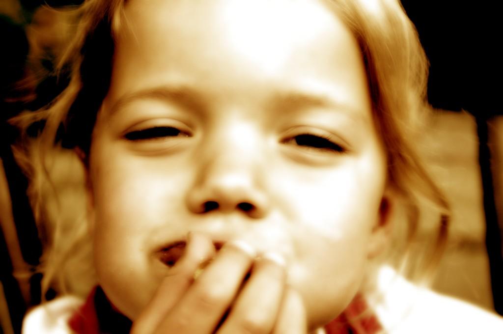 お手軽☆口臭チェックで子供から顔を背けられなくする9つの技