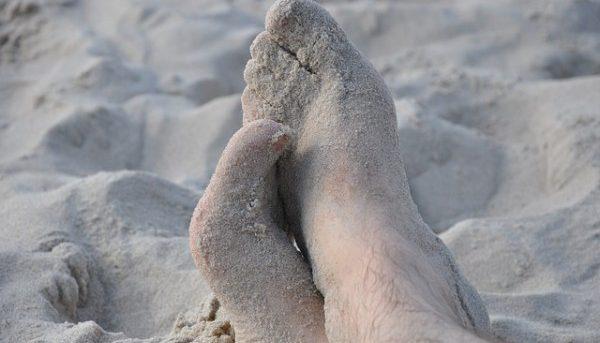 足裏の汗がヤバい事になっている人の9つの特徴