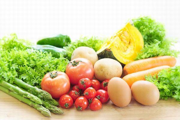 白ニキビの原因を解消する為に取りたい食べ物、栄養素とは