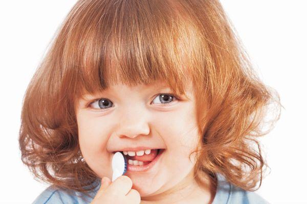 幼児の口臭が気になったときに家族がする正しい対処とは?