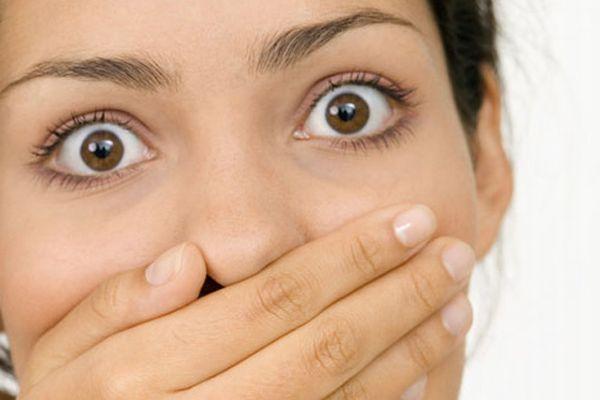 この匂いならこの胃の病気かも? 危険な口臭・7つの種類