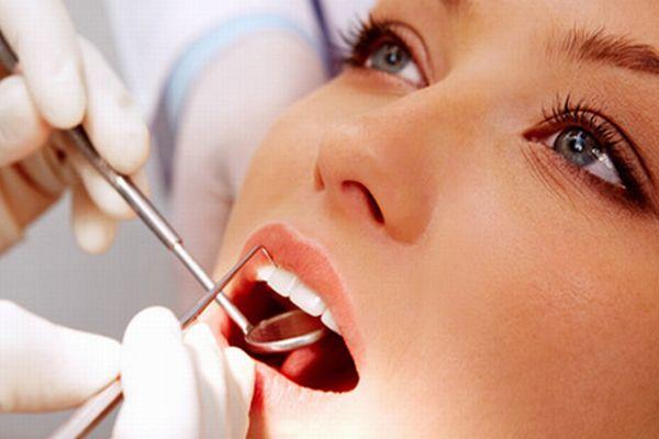 歯石と口臭の関係を知って 健康なお口まわりをキープする方法