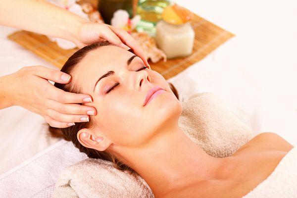 頭皮の脂が、毛根を破壊する7つの理由と、その対処法とは