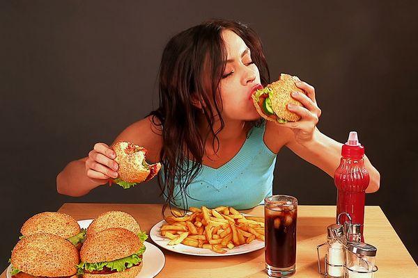 体臭を改善できないひとが持つ、イケナイ食生活