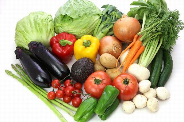 上手に摂取すれば ニキビが効果的に予防できる食べ物とは?