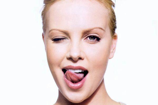 舌苔の除去を正しく学び、気になる口臭を減らす7つの方法