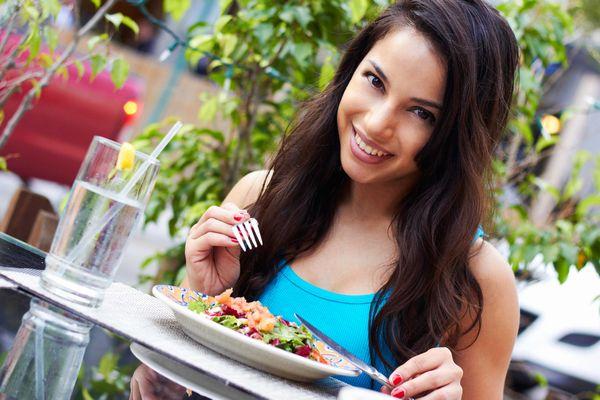 吹き出物に長年悩む人必見!根底から改善する食べ方の知恵