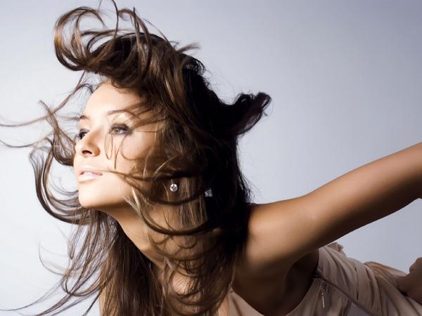 女性の薄毛を諦めないで!原因を知って自分で出来る改善法