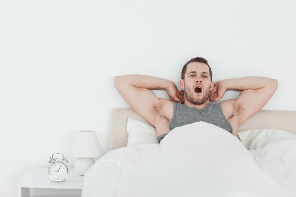 寝起きの口臭なんとかしたい!恋人との朝も安心の臭い対策