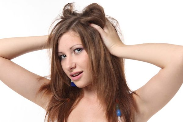 頭のニキビに悩む人にお奨めする適切な頭皮ケア5つの基礎