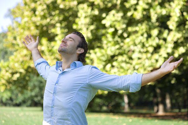 ぽっこりお腹で悩む男性がまず取り組むべき5つの生活習慣