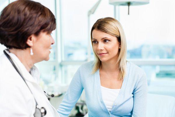 背中ニキビで皮膚科にかかるときの、良い病院5つの探し方