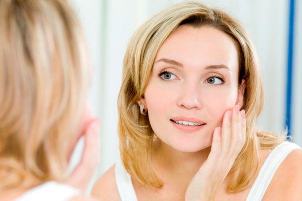 ニキビが頬にできる原因を知って完璧に予防する5つの方法
