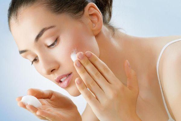 頬にニキビができやすい原因トップ5を簡単に解消する方法