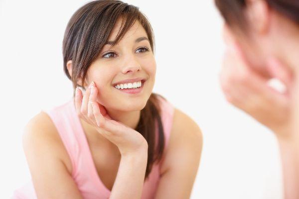 頬ニキビの原因を学んで1ヶ月でツヤツヤ肌を取り戻す術