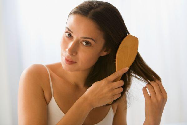 頭皮の脂が多いと悩む人にお奨めする正しい頭髪の洗い方