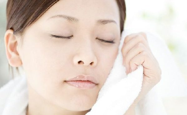 多汗症の顔に困ったときに最適!スッと汗を抑えるスゴ技集