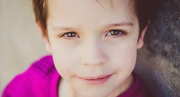 円形脱毛症の子供のケアで、守るべき4つの心理的かかわり
