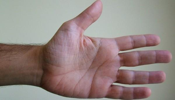 手汗対策ベスト5選★その場のケアから生活改善まで教えます