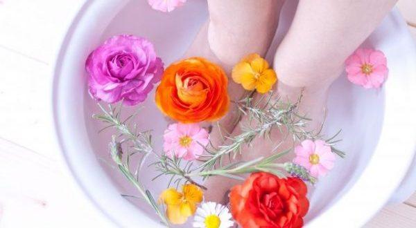 足が臭い時、洗うだけではダメ?臭いを消すテクニック