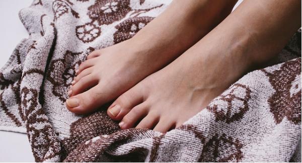 足の臭いを消す方法。自宅で気軽に試せる5つの対策