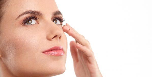 白ニキビができる原因と即実践できるよく効くスキンケア