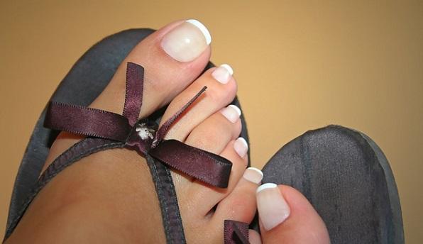 足の爪が臭いのは何故?正しい3つの手入れ法