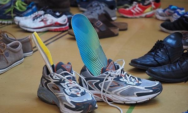 足の臭いの原因は靴にあり!正しい靴のお手入れとは
