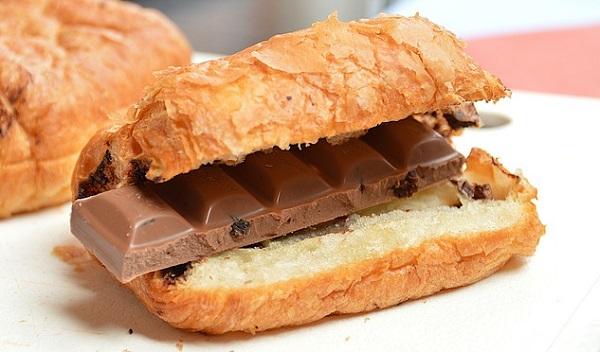 太る食べ物が肥満の原因!避けるべき食材とは