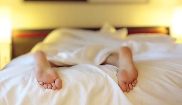 寝る前が効果的!身長を伸ばすストレッチ3選