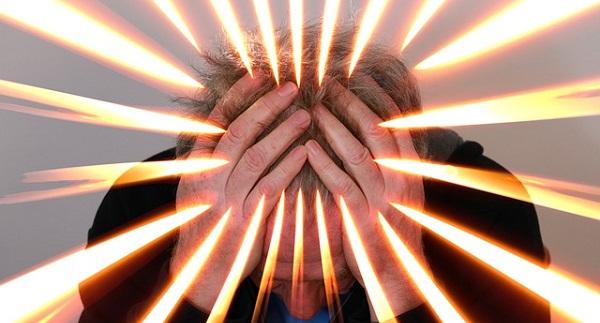 円形脱毛はなぜ出来る?5つの原因と対処法