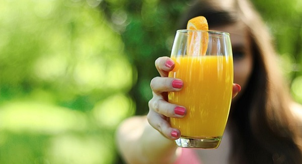 ニキビに効くビタミンとは?効果的な5つの摂取法