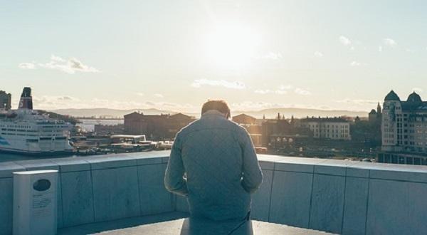 自尊心が低いと陥りがちな5つの行動パターン