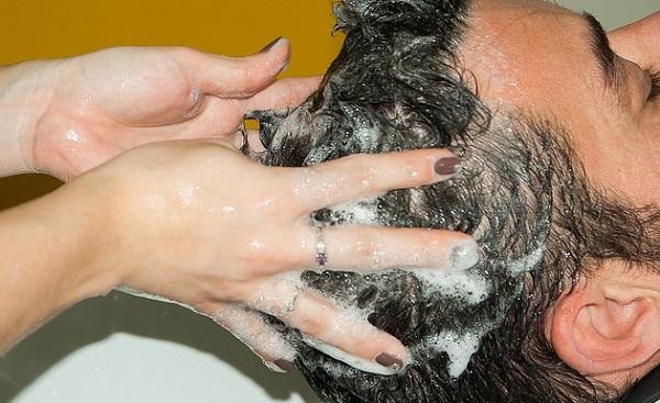 シャンプーで抜け毛が増える?見直そう5つの洗髪法