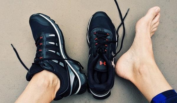 足が臭い原因となる5つの習慣!ここを直せば臭いは消える