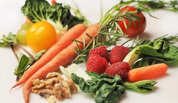 ニキビ予防は食習慣から!綺麗な肌を作る5つの食材
