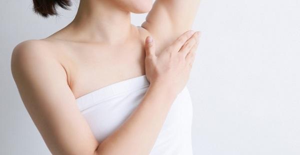 汗もニオイも気にしない!脇汗予防に効果的な5つの方法