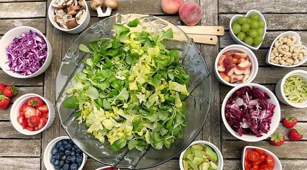 健康的なサラダのイメージ
